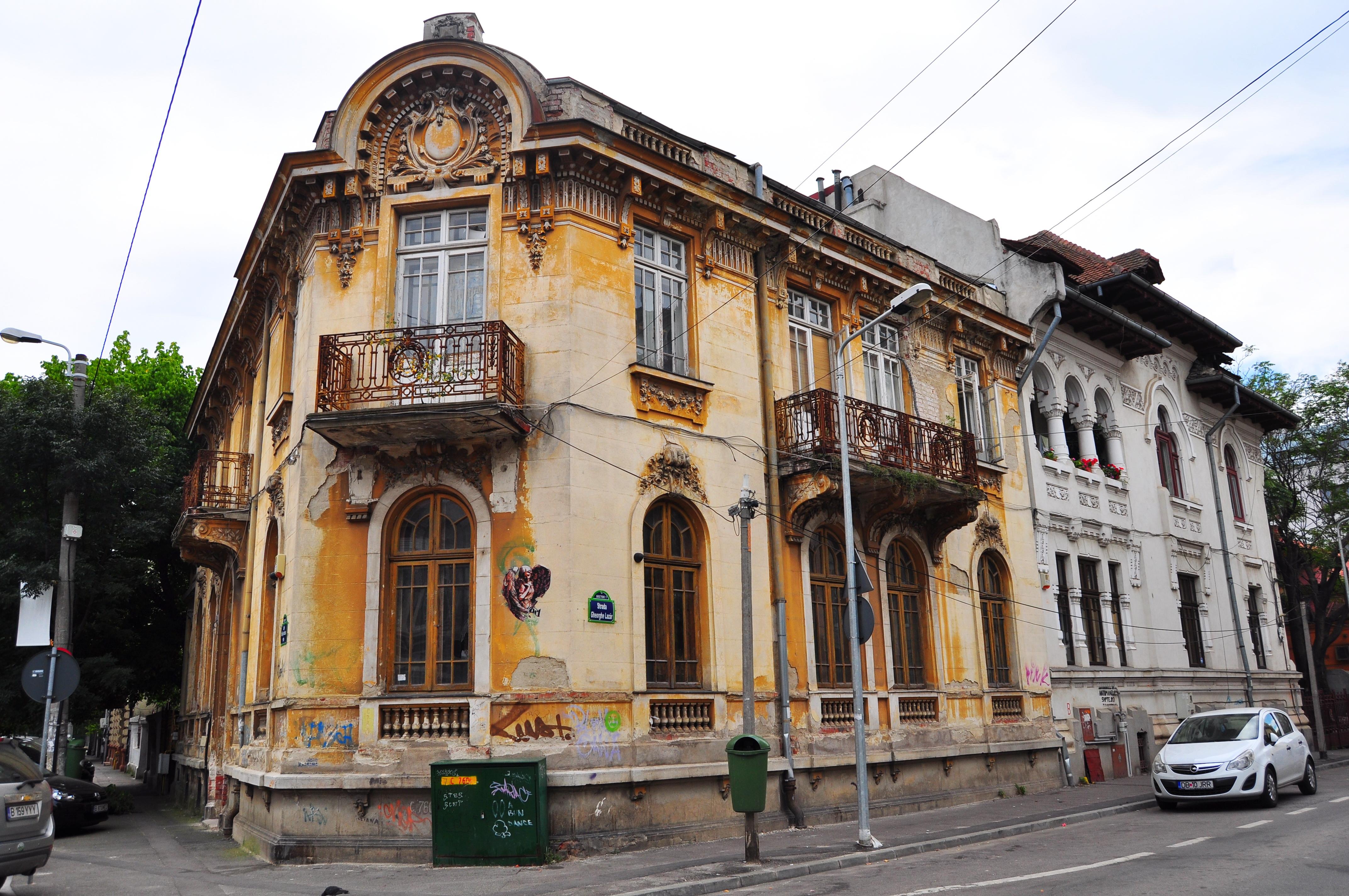 Strada Gheorghe Lazăr intersecţie cu Strada Grigore Cobălcescu