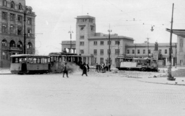 Efectele bombardamentului din 4 aprilie 1944 în zona Gării de Nord via www.adevărul.ro