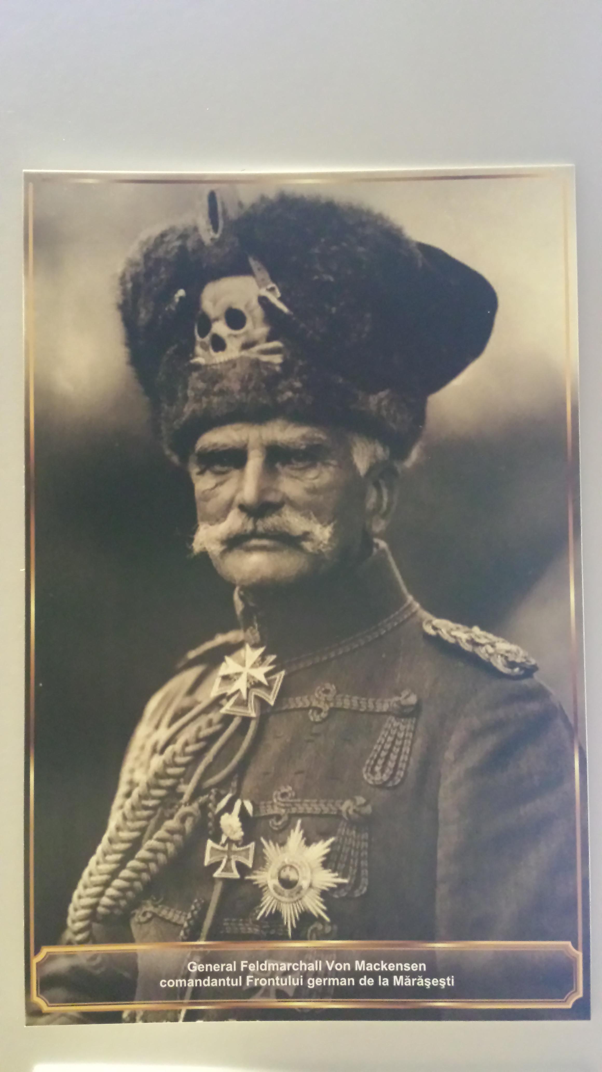 Generalul Mackesen şi pasiunea poporului german pentru capetele de mort.