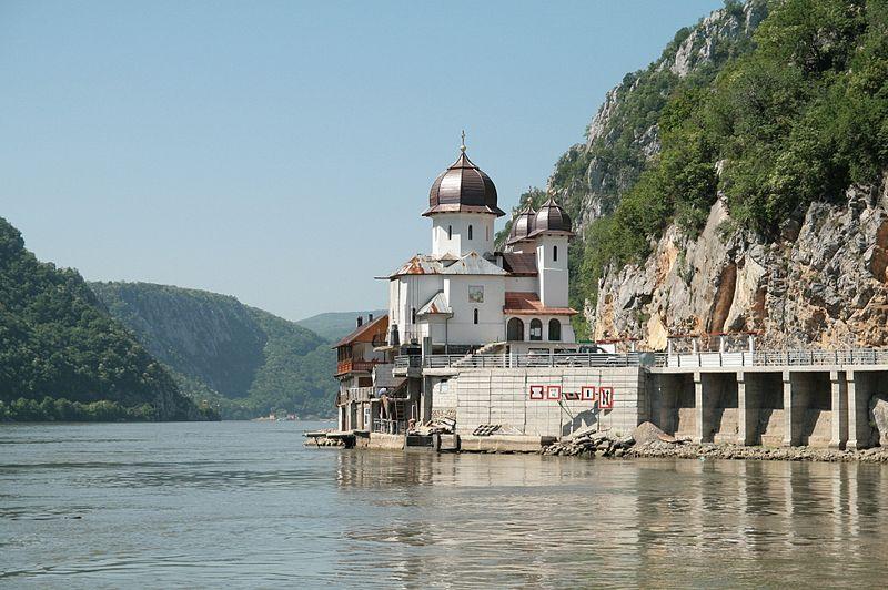 Mânăstirea Mraconia - via www.wikipedia.ro