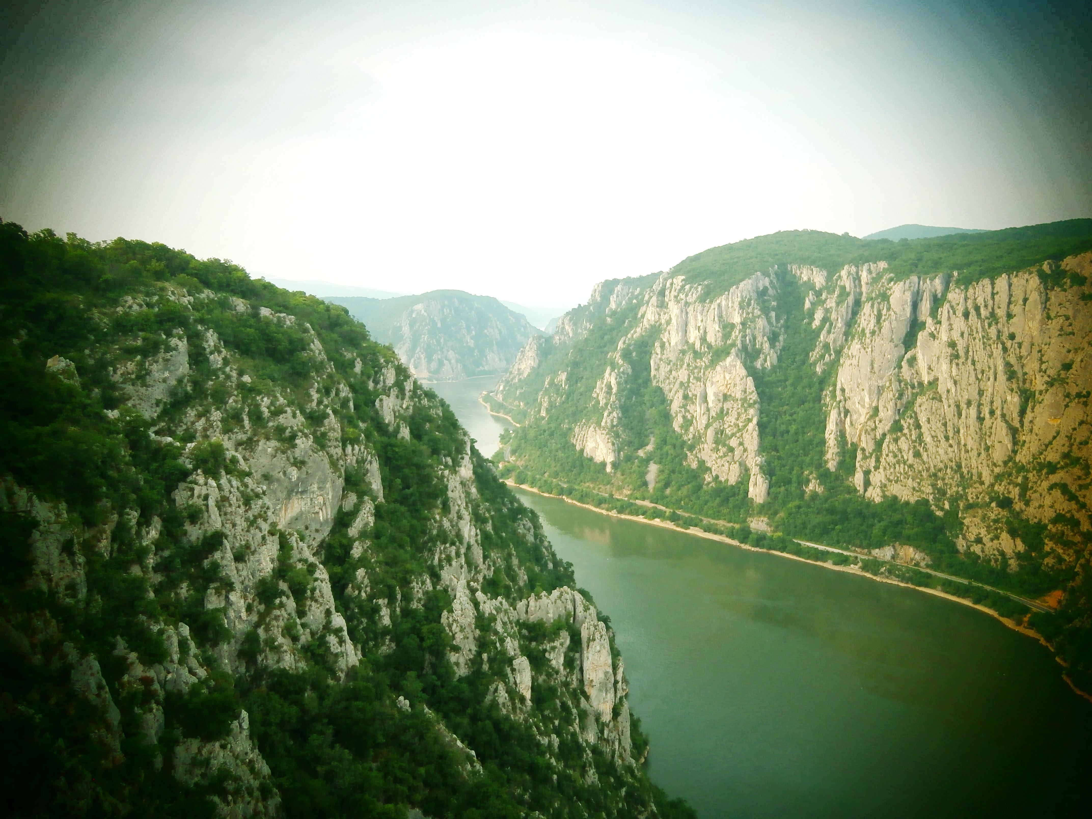 Defileu Dunării văzut de pe Muntele Ciucaru Mic