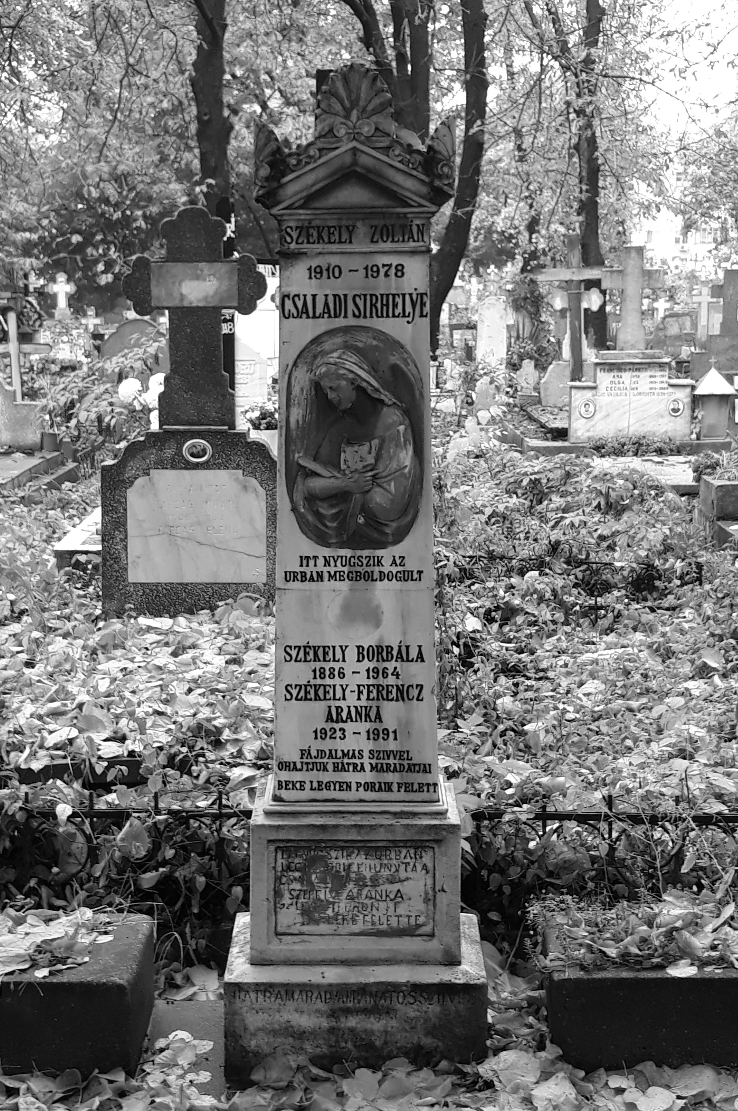 Monument funerar din Cimitirul Calvin