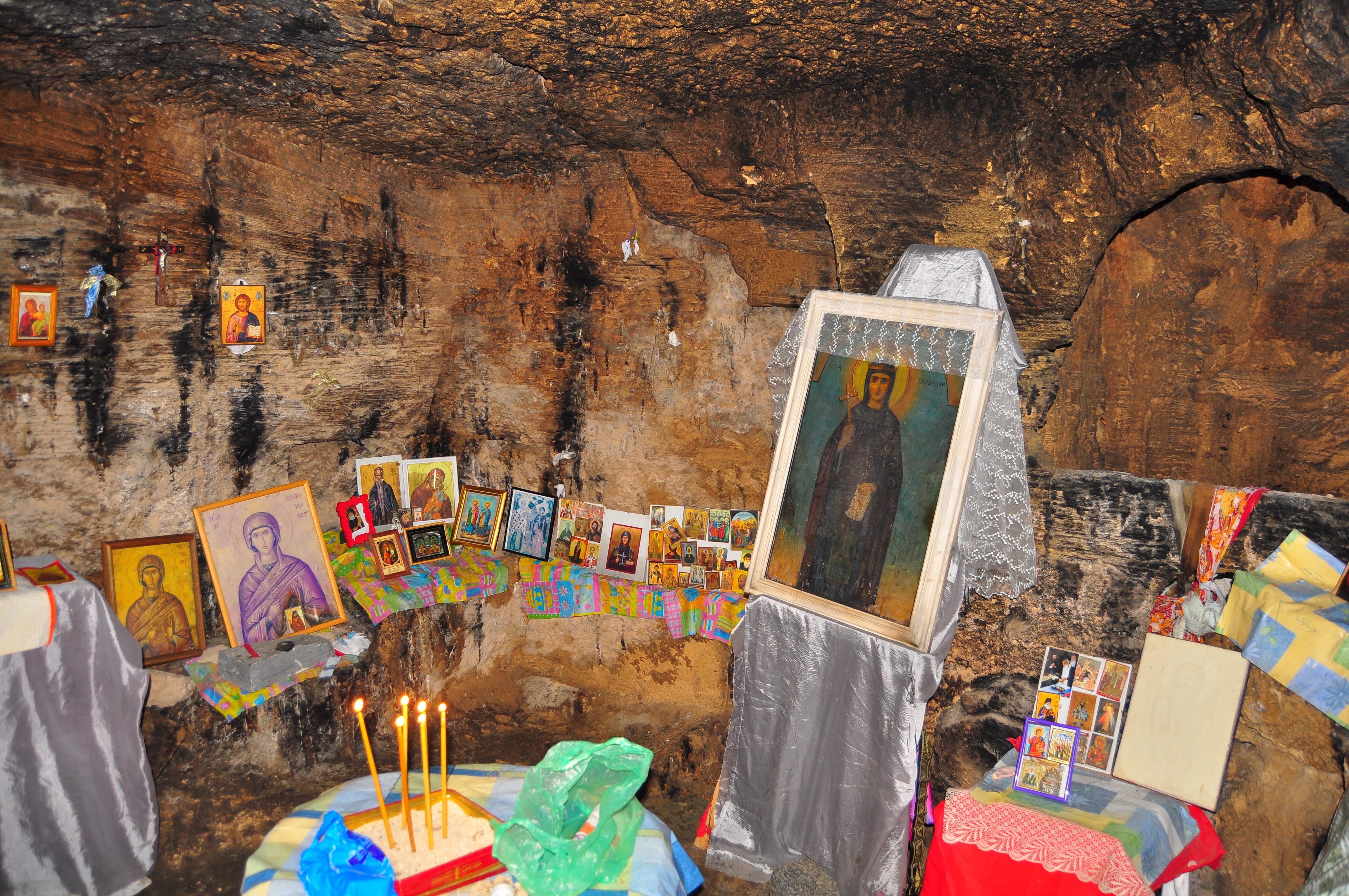 Altar închinat Sfintei Solomoni. Catacombe. Paphos