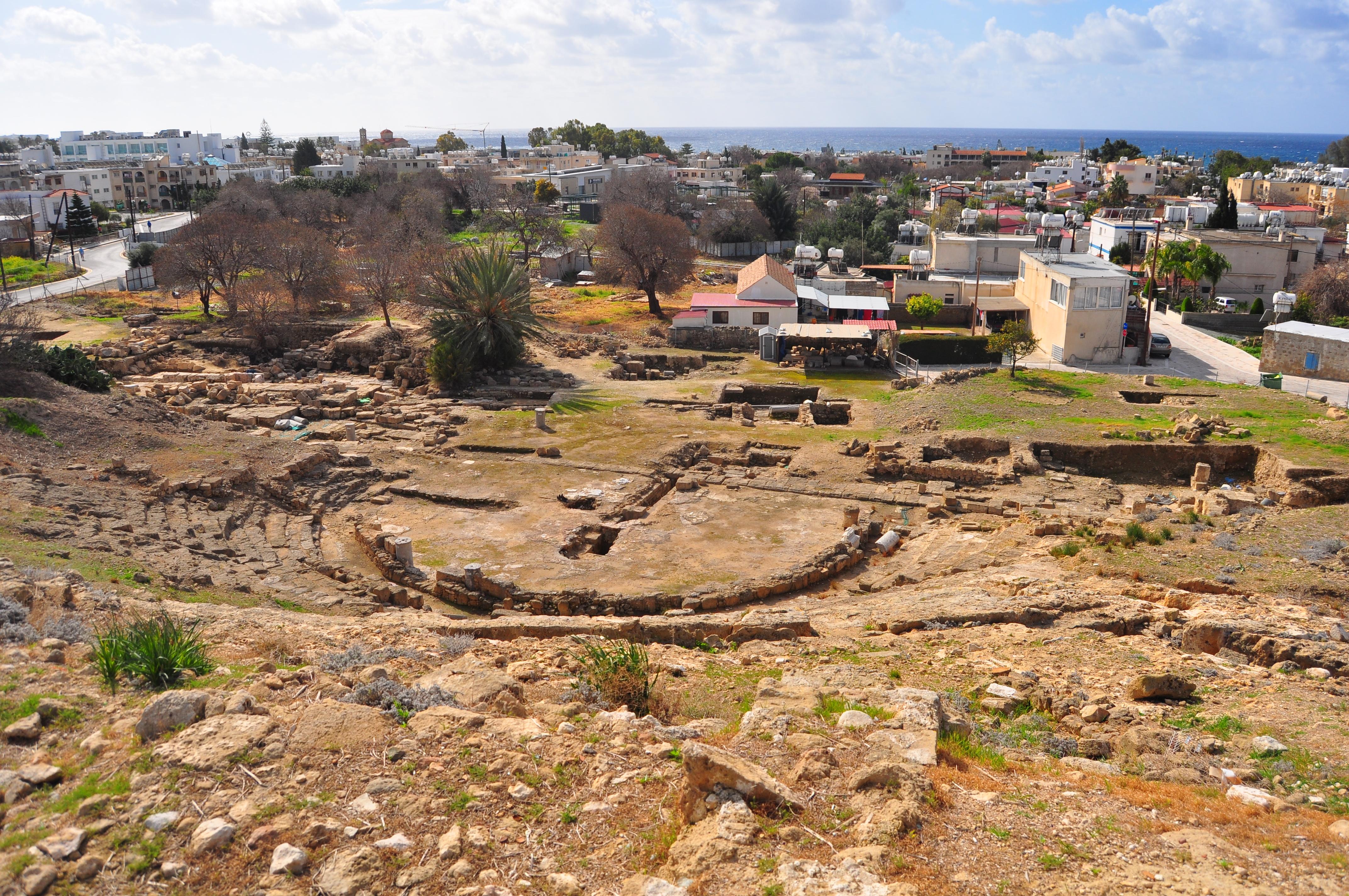 Teatrul antic nesemnalizat pe hărţile turistice. Paphos.