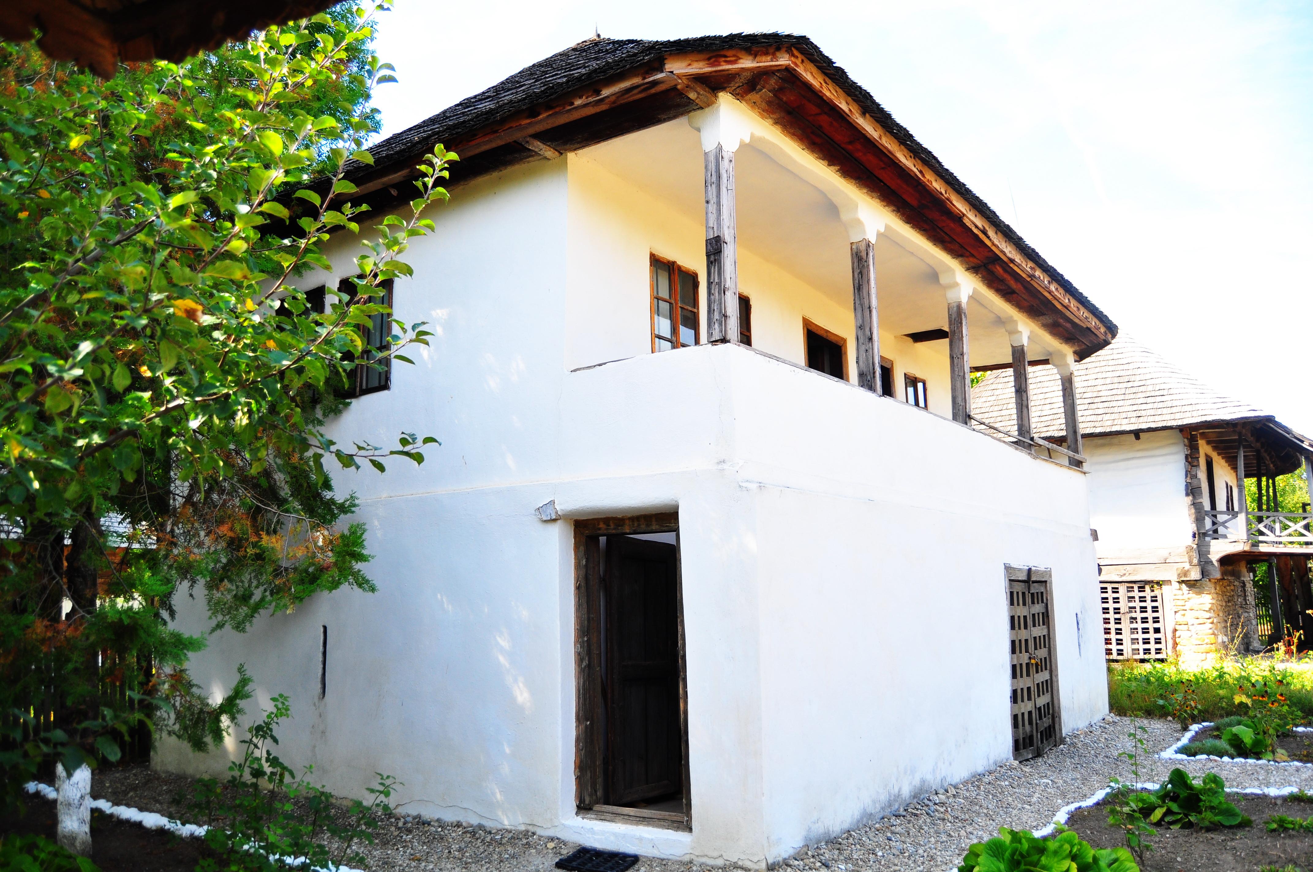 Muzeul Viticulturii şi Pomiculturii Goleşti